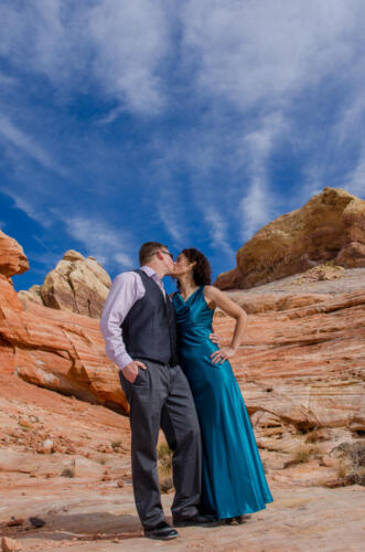 Photographers of Las Vegas - Wedding Photography - wedding couple at valley of fire