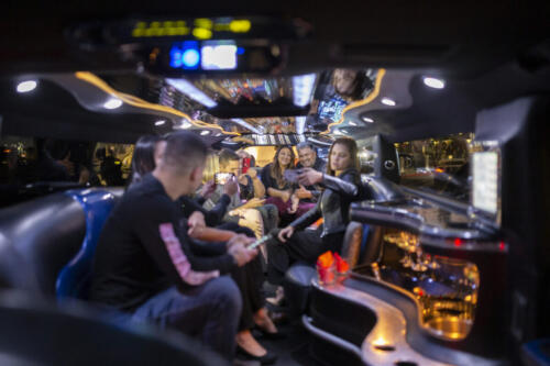 Photographers of Las Vegas - Vegas Limo Photo Tour - Groups photos in Las Vegas limousine